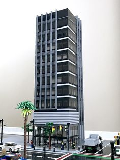 The third LEGO skyscraper goes up in Wasabi District! At just over 3 feet tall and over 5000 pieces, this building is the first office skyscraper in Wasabi District! Minecraft Skyscraper, Minecraft City Buildings, Minecraft Architecture, Minecraft Houses, Minecraft Designs, Minecraft Projects, Minecraft Creations, Lego City, Lego Building