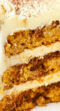 This Pumpkin Tiramisu Layer Cake is to die for! It has layers of moist pumpkin cake, Kahlua and espresso, then a tiramisu filling and a mascarpone frosting. Just Desserts, Delicious Desserts, Dessert Recipes, Pumpkin Recipes, Fall Recipes, Christmas Recipes, Thanksgiving Recipes, Holiday Recipes, Pumpkin Delight