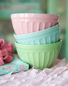 These bowls make me think of homemade vanilla ice cream with lots of toppings.