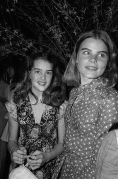 Brooke Shields and Mariel Hemingway at Studio 54 in Margaux Hemingway, Mariel Hemingway, Studio 54, Bernadette Peters, Manhattan New York, Vintage Hollywood, Classic Hollywood, Brooke Shields Young, Teen Actresses