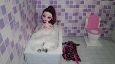 Como fazer um banheiro (banheira) para boneca Monster High, Barbie, Pull...