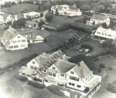 """Hyannis Port: Aerial of the """"compound"""" -- at the top of the photo is JFKs home, Robert Kennedy is on the left and in front is the large home of Joseph and Rose Kennedy Les Kennedy, Robert Kennedy, Jacqueline Kennedy Onassis, Caroline Kennedy, Kennedy Compound, Hyannis Port, Presidential History, John Junior, Jfk Jr"""