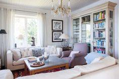 Keltainen talo rannalla Book Storage, Libraries, Bookcase, Shelves, Interior, Home Decor, Shelving, Decoration Home, Indoor