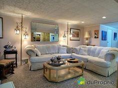 Salon au sous-sol Bungalow, Couch, Furniture, Home Decor, Walkout Basement, Drawing Rooms, Decoration Home, Room Decor, Sofas