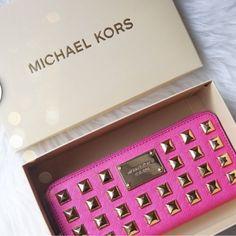 michael kors purses 2013 #michael #kors #purses My MK bag. Love it! mk just need $$66.99!!