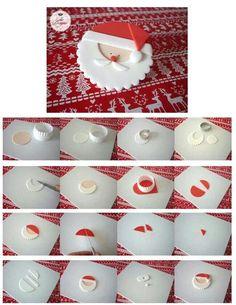 Ideas Cupcakes Decoration Navidad Tutorials For 2019 Mini Christmas Cakes, Christmas Cupcake Toppers, Christmas Topper, Christmas Cake Decorations, Christmas Sweets, Holiday Cakes, Christmas Goodies, Christmas Baking, Xmas Food