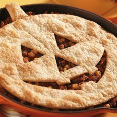 Jack-O-Lantern Sloppy Joe Pie! http://www.yummly.com/recipe/Jack_o_lantern-Sloppy-Joe-Pie-_halloween-Recipe_-Recipezaar