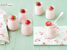 Receta de panna cotta de fresas a la pimienta rosa  http://www.directoalpaladar.com/postres/receta-de-panna-cotta-de-fresas-a-la-pimienta-rosa