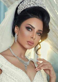 Beautiful Bridal Makeup, Bridal Makeup Looks, Bride Makeup, Wedding Hair And Makeup, Bridal Looks, Beautiful Bride, Hair Makeup, Bridal Hair Updo, Bridal Headpieces