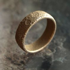 Take a walk on the moon with this Topographically Correct Moon Ring.  Made with planetary data from a Lunar Reconnaissance Orbiter LOLA. Please allow 2 weeks for shipping.
