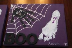 Good idea for kids Halloween decoration and a way to track their growth over the years. halloween crafts for kids Pied Halloween, Diy Halloween Spider, Halloween Bebes, Theme Halloween, Halloween Canvas, Halloween Decorations For Kids, Hallowen Ideas, Halloween Painting, Holidays Halloween