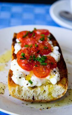Cottage Cheese and Tomato on Baguette Breakfast  A fancier take on toast! 1 serving = 150 cal.