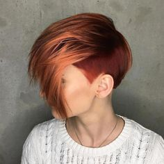 30 Short Ombre Hair Options for Your Cropped Locks in 2020 - 30 Short Ombre Hair Options for Your Cropped Locks in 2020 Auburn Pixie With Temple Undercut Short Pixie Haircuts, Short Bob Hairstyles, Short Hair Cuts, Red Pixie Haircut, Boy Haircuts, Men's Hairstyles, Formal Hairstyles, Auburn Balayage, Balayage Hair