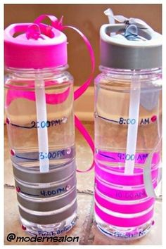 Water bottles that guide through your hydrated day! Healthy hairdressers know that drinking water gives you energy.