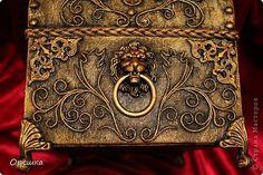 Поделка изделие Аппликация из скрученных жгутиков СУНДУК из картона В подарок  пейп- арт Салфетки фото 23