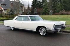 Long and Lovely: 1967 Cadillac Fleetwood Brougham Classic Cars Usa, Cadillac Fleetwood, Us Cars, Barn Finds, Car Parking, Vintage Cars, Cool Cars, Automobile, Vehicles