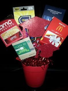 Gift card bouquet, creative gifts for grads, gifts grads love, creative ways to give money, teen gifts, Best Graduation gift ideas, fun and easy DIY graduation grad gifts, thoughtful graduation gift, money origami graduation gifts, money gift cards graduation gift ideas