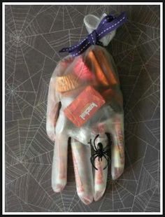 Great idea for Halloween gift bags #Halloween #Treats #Kids