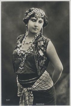 C 1910 Photo Women Orientale Reiser
