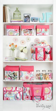 Thirty-One Gifts - Get crafty by keeping all your supplies in coordinating Thirty-One products. Your shelves will look almost as good as your art! Thirty One Party, Thirty One Bags, Thirty One Gifts, My Thirty One, Thirty One Organization, Home Organization, Organize Your Life, Organizing Your Home, Thirty One Business