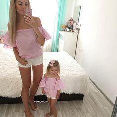 Привет как настроение ? ещё раз напомню моя страница с бантиками была взломана ‼️ни в коем случае не покупайте ее‼️а заказы я так же принимаю на платья , блузочки , бантикипишите в Директ работы пока буду выкладывать на 2 страницу @yana_and_ariiii  вот кстати новый вид блузочек Mommy Daughter Pictures, Mother Daughter Fashion, Mom Daughter, Mommy And Me Outfits, Cute Girl Outfits, Mom And Baby, Matching Outfits, Baby Dress, Kids Fashion