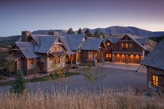 Aspen Canyon Ranch retreat designed by Faure Halvorsen Architects  #aspen #skicabin #winterretreat