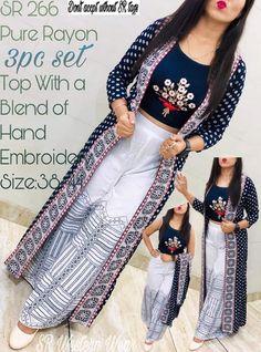 Kurta Designs, Kurti Designs Party Wear, Blouse Designs, Crop Top Designs, Lehenga Designs, Stylish Dress Designs, Stylish Dresses, Fashion Dresses, Indian Skirt