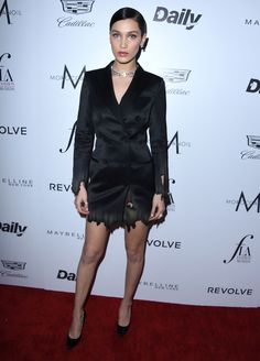 Bella Hadid en robe Moschino à la cérémonie des Daily Front Row Fashion Los Angeles Awards http://www.vogue.fr/mode/inspirations/diaporama/les-meilleurs-looks-de-la-semaine-mars-2016/26700#bella-hadid-en-robe-moschino-a-la-ceremonie-des-daily-front-row-fashion-los-angeles-awards