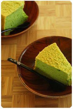 pandan chifon cake slices