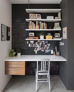 Udnyt de små kroge i hjemmet, og indret hjemmekontoret med en fin tilpasset bordplade. 🛠#småtmengodt #boligmagasinet #skrivebord #kontor