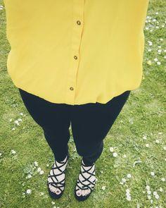 http://amzn.to/1ZolIuh C'mon sunshine.  #outfit #black #selfie #beauty #makeup #blogger #beautyblogger #lifestyle #fashion #mua #instagood #photooftheday #nofilter #fashionblogger #bbloggers #fblogger #topshop #ivypark #sandles #shoes #shirt #yellow #sunshine #hot #dayoff by _elishajayne_