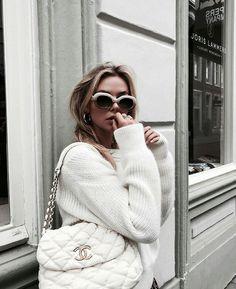 we love fashion Daily Fashion, Love Fashion, Vintage Fashion, Womens Fashion, Style Fashion, Girl Fashion, Luxury Fashion, Outfits Otoño, Winter Outfits