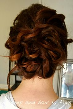 Romantic bridal updo Airbrush Makeup, Bridal Updo, Updos, Romantic, Pure Products, Long Hair Styles, Beauty, Up Dos, Long Hairstyle
