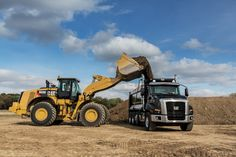 New #CAT M Series Wheel Loaders Deliver Production Efficiency with Integrated CAT Production Measurement for Consistently Accurate Loads | Rock & Dirt Blog Construction Equipment News & Information #WheelLoaders #Caterpillar #RockandDirt