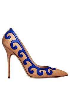 @ManoloBlahnik knows how to spice up a classic pump with the blue of the season! Cobalt Blue looks good on everyone! www.christinastyles.com