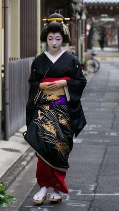 Geiko(geisha). Her name is Toshikana. #japan #kyoto #geisha #kimono #japanese culture