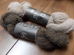 """Isager Alpaca 2 and Tweed: a """"Bayard"""" hat colorway."""