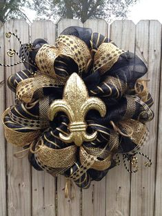 mesh wreaths for summer | Wreath for New Orleans Saints Fans Trendy Tree Blog