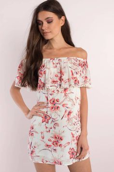 We are loving all kinds of floral prints. Don't miss out on the Anna Floral Print Shift Dress. Style with wedges for a day out. - Fast & Free Shipping For Orders over $50 - Free Returns within 30 days!