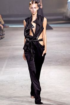 http://www.vogue.com/fashion-shows/spring-2011-ready-to-wear/haider-ackermann/slideshow/collection