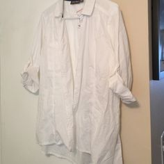 White long sleeve button down top size xl White long sleeve or roll up and button. Front is a button down, light weight top. Made by roz&ali brand new Roz&ali  Tops Button Down Shirts