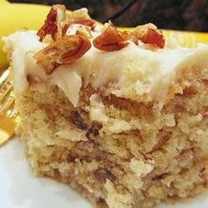 Banana Cake VI--This is SO moist and yummy! Non traditional recipe makes this unique and delicious! I baked it 1 hr and 15 min. And then put it in freezer. Food Cakes, Cupcake Cakes, Cupcakes, Rose Cupcake, 13 Desserts, Delicious Desserts, Yummy Food, Baking Desserts, Health Desserts