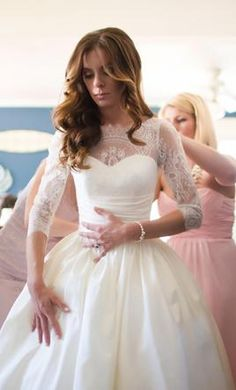 The details on this Augusta Jones dress are amazing! Need it? Shop here - https://www.preownedweddingdresses.com/dresses/view/114564/Augusta-Jones-Paz-Size-2.html