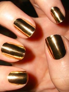 Metallic gold nails - All gold everything!