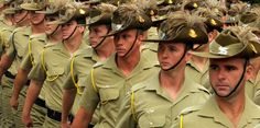 Members of the Cavalry Regiment wearing slouch hat and plumes on parade. Military Guard, Military Girlfriend, Military Personnel, Military Veterans, Military Uniforms, Dad's Army, Army Soldier, Army History, Australian Air