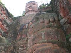 Der grosse Buddha von Leshan Hiking Boots, Buddha, China, Tour Operator, Destinations, Viajes, Walking Boots, Porcelain, Walking Shoes