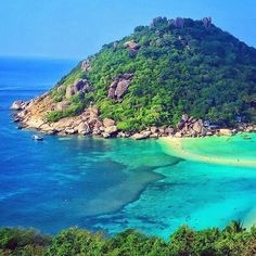Koh Tao Thailand @Justin_gf - like it if you believe our #earthisstunning   --------------------------- #earth #earthisbeautiful #earthpix #earthphoto #earthlover #earthescape #earthcapture #photograph #photooftheday