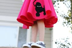 No sew poodle skirt. Need one for schools sock hop dance! Click the link for more.
