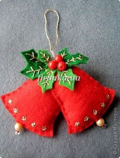 christmas crafts felt bells w holly