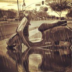 #Vespa GTS 300 In The Rain